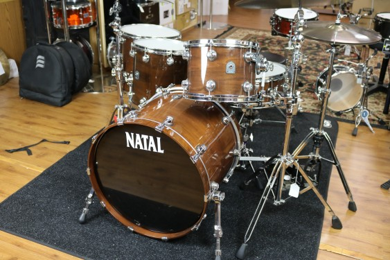 Natal 5 Piece Originals Series Walnut Shell Pack with Chrome Hardware in Natural Walnut Finish