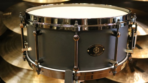 Noble & Cooley Alloy Classic Snare Drum, 6x14 Black Finish with Black Die-cast Hoops FGAC146BKDB
