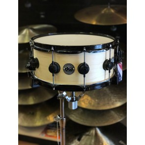DW Drum Workshop Collectors Series 6x14 Maple Snare Drum in Natural with Black Hardware