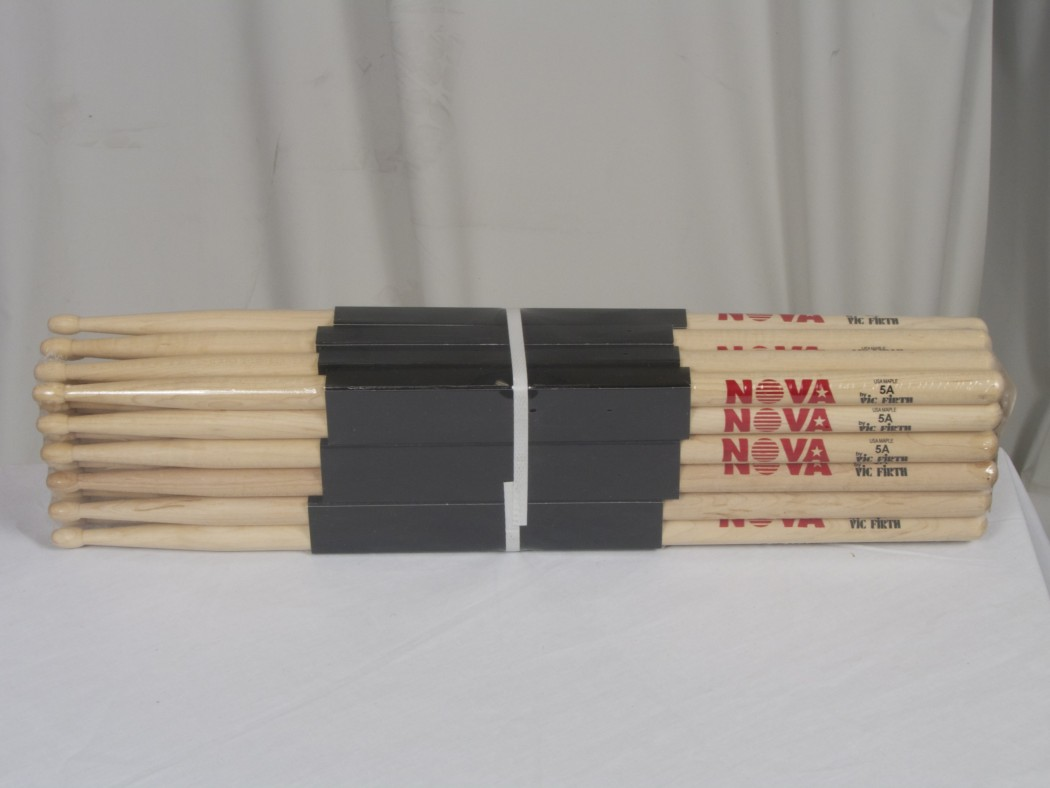 Vic Firth Maple 5a With Nova Imprint Brick 12 Pairs