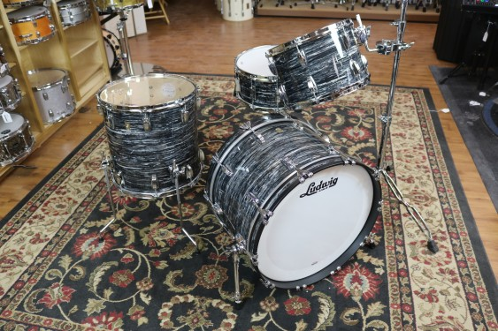 Ludwig Classic Maple Shell Kit in Vintage Black Oyster FAB 14x22, 9x12,16x16 w/Free 6.5x14 Snare Drum L84233AX1QWC