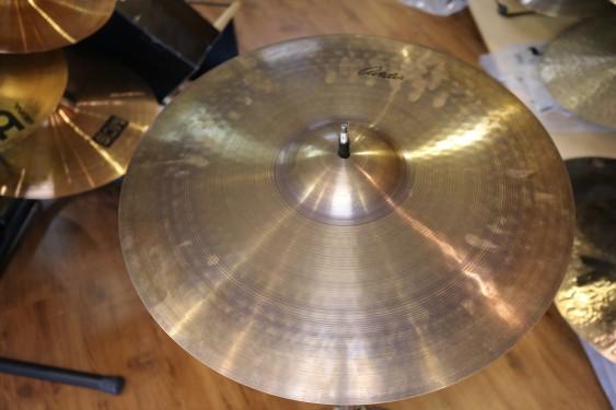 """Used ZIldjian 19"""" Avedis Crash Cymbal"""