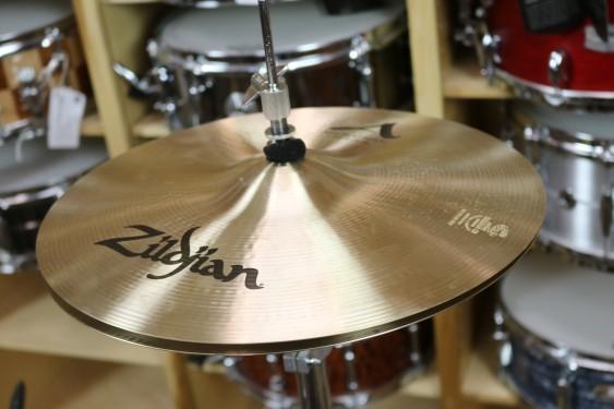 """Zildjian 14"""" A Zildjian New Beat Hi Hat Pair-Demo of exact cymbal-901g top - 1399g bottom"""