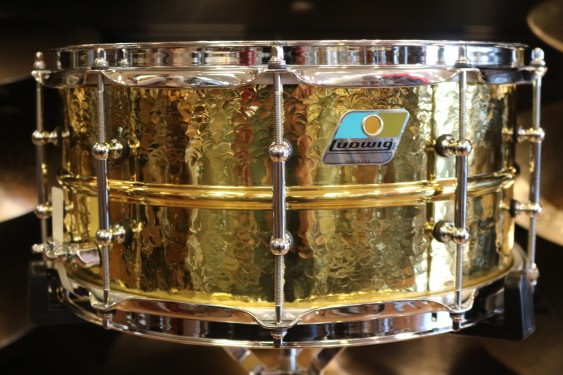 Ludwig - 6 1/2X14 Hammered Brass Snare Drum, B-STOCK LB422BKTB