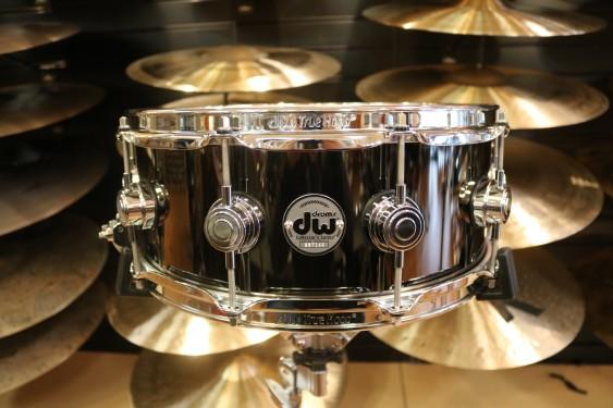DW Drum Workshop 5.5x14 Black Nickel Snare Over Brass **B-STOCK** W/ Chrome Hardware