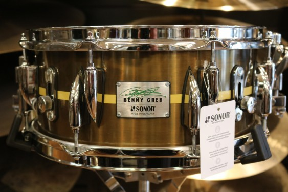 "Sonor 13x 5.75"" Benny Greb Signature Vintage Brass Snare Drum with Teardrop Lugs and Centered Stripe SSD 13x5.75 BG SDB 2.0"