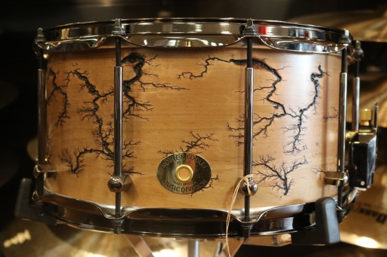 Noble and Cooley Classic Maple 7x14 Single Ply Snare, Fractal Natural Oil FGSSM147FRBRFB