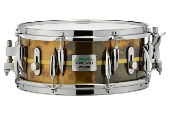 "Sonor 13x 5.75"" Benny Greb Signature Vintage Brass Snare Drum with Teardrop Lugs and Centered Stripe"