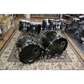 Used Yamaha Maple Custom, Ebony, 4x14,10X10, 10X12,11X13,12X14,16X20,16X22,Tom Mounts w/stand, Snare Stand, Enduro Cases w/foam (all but SD), soft bag for 16x20